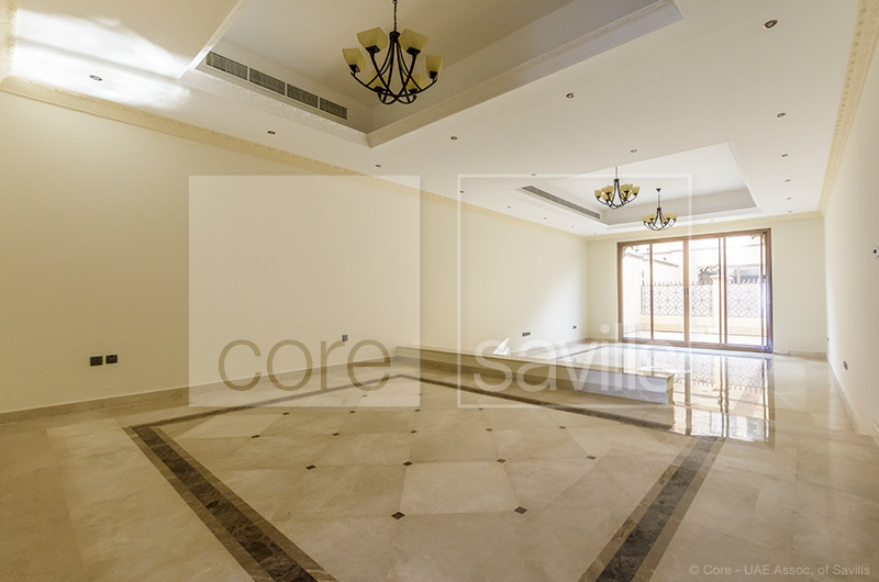 http://core-me.com/property-details.html?tag=Brand-Bew-4-Bed-Plus-Maid's-In-Jumeirah-1-&Id=CO-R-8371