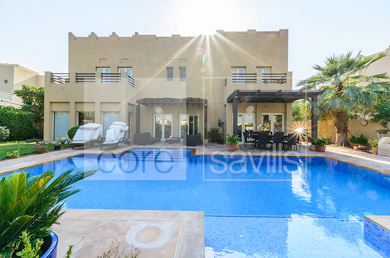 http://core-me.com/property-details.html?tag=5-Bed-Lake-View-Villa-With-Large-Pool-In-Meadows-8&Id=CO-R-8433