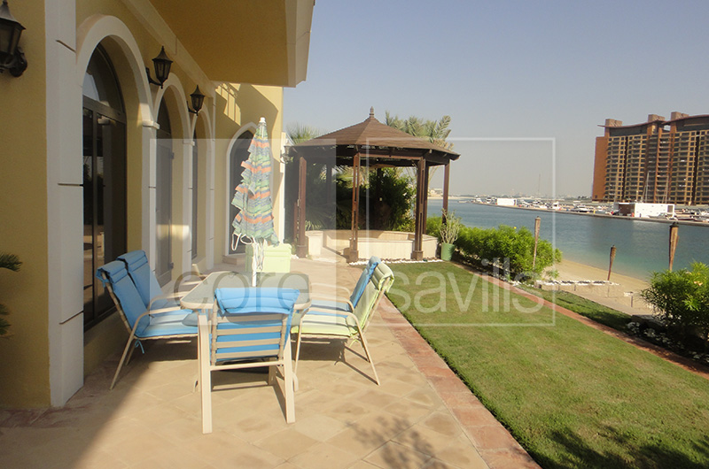 http://core-me.com/property-details.html?tag=Atlantis-View--5-Bed-Villa-|-Garden-Homes-Frond&Id=CO-S-8469